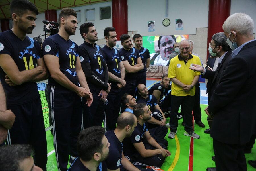 حضور رئیس سازمان بهزیستی در کنار ورزشکاران  پارالمپیک، پیش از شروع مسابقات پارالمپیک توکیو