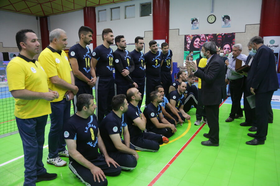 ورزشکاران تیراندازی و والیبال نشسته پارالمپیک