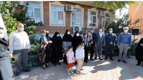 گزارش تصویری/ گرامیداشت هفته بهزیستی با تجلیل نمادین از خانواده های  فرزندان سه قلو