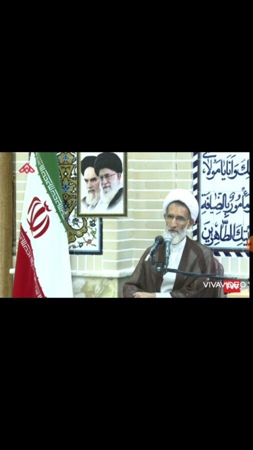 فیلم  سخنان نماینده ولی فقیه در استان چهارمحال و بختیاری در جمع مدیران به مناسبت هفته بهزیستی