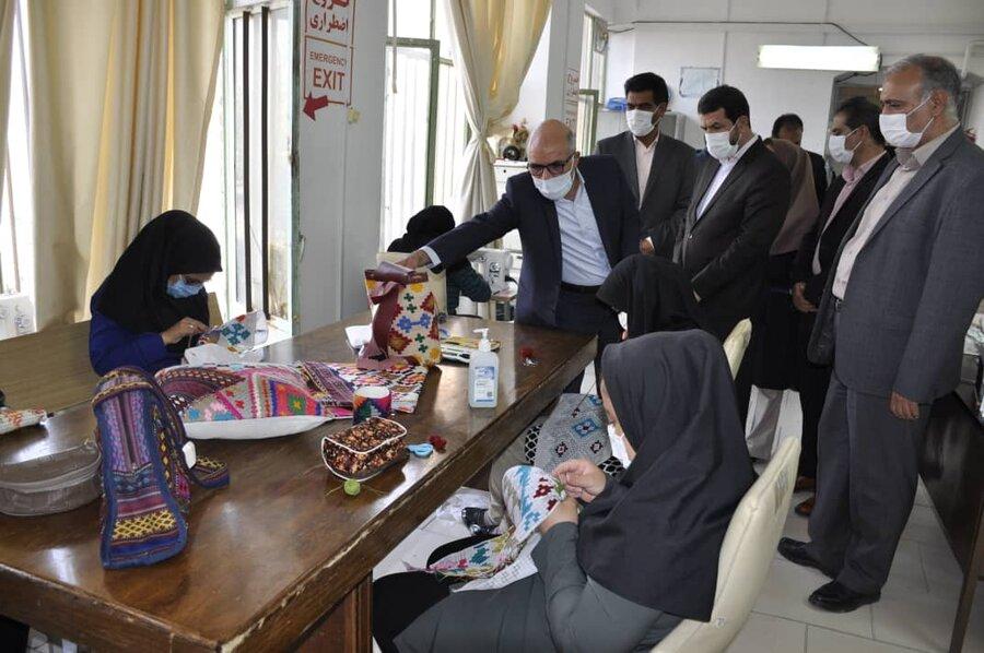 گزارش تصویری| استاندار خراسان جنوبی از کارگاه تولیدی حمایتی دستان پرتوان دیدن کرد