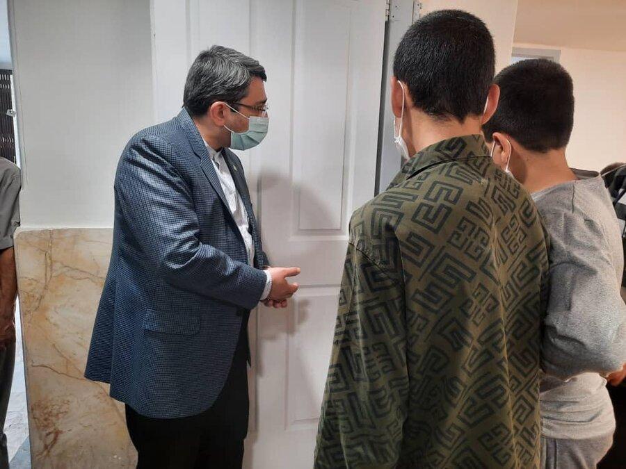 بازدید دکتر قبادی دانا از مرکز کودکان کار و خیابانی در مشهد