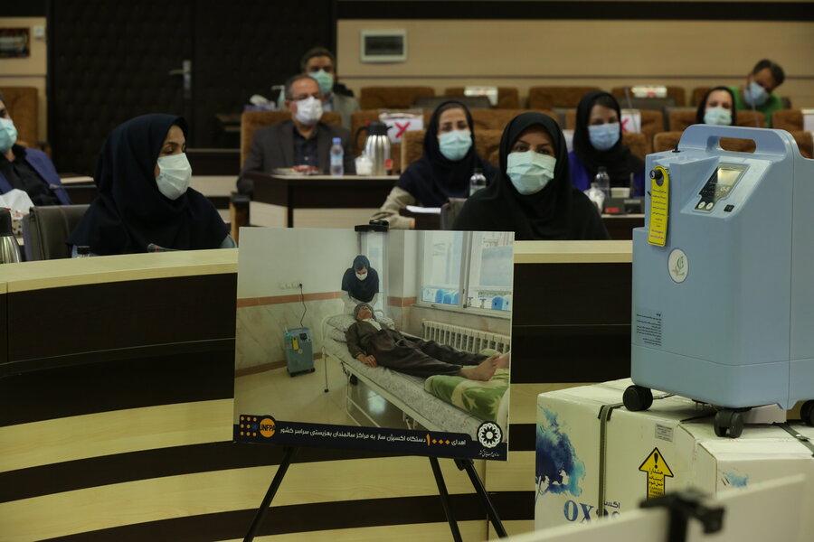 آئین اهداء نمادین ۱۰۰۰ دستگاه اکسیژنساز به مراکز سالمندان تحت نظارت بهزیستی