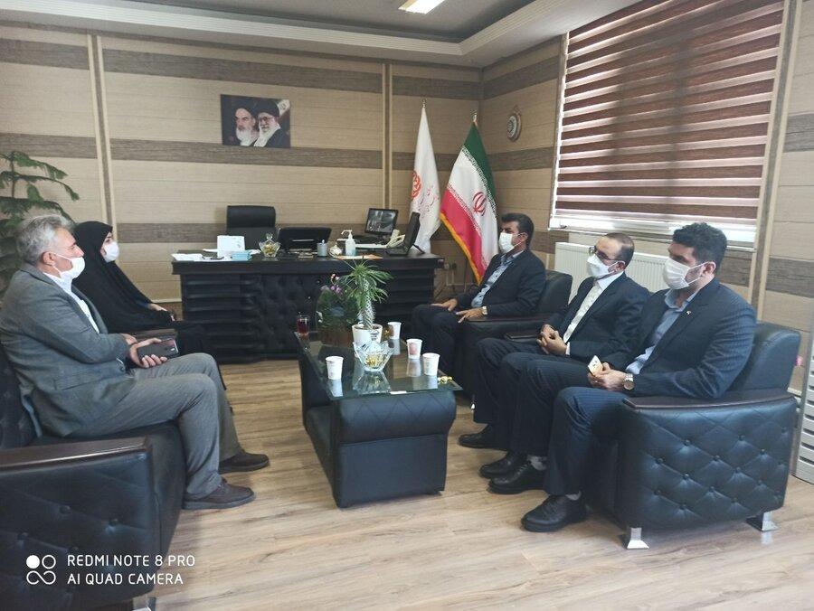 دیدار مدیرعامل و کارکنان بانک رفاه استان کرمانشاه با مدیرکل بهزیستی استان به منظور تبریک هفته بهزیستی
