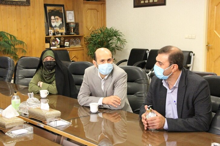 دیدار دکتر ولی اله نصر مدیر کل بهزیستی استان با انجمن همیاران سلامت روان استان