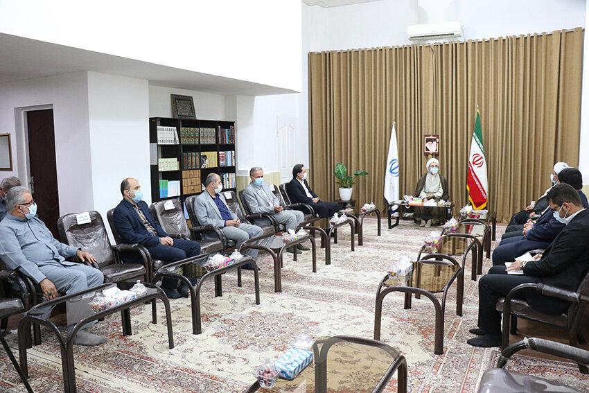 دیدار مدیرکل بهزیستی گیلان با نماینده ولی فقیه در استان و امام جمعه رشت به مناسبت هفته بهزیستی