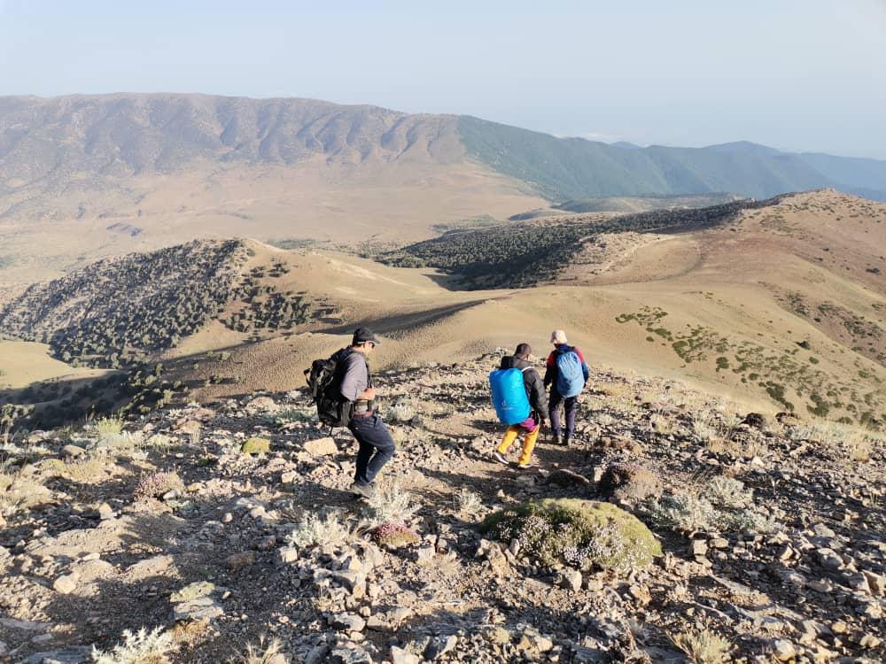 صعود کارکنان بهزیستی به قله پیرگردکوه