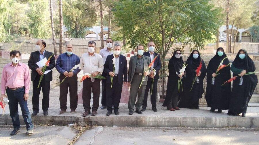 برگزاری آئین غبار روبی و عطر افشانی مزار شهیدان بمناسبت هفته بهزیستی