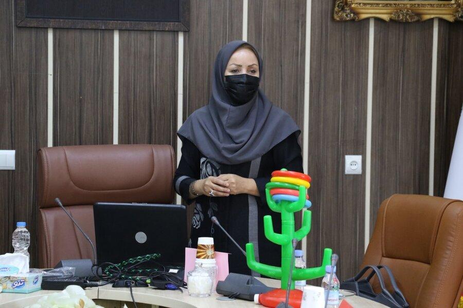 آموزش مهارتهای زندگی به دختران 10 تا 12 ساله در بهزیستی گیلان