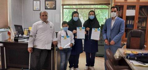 گزارش تصویری/ کسب دو مدال طلا و یک دیپلم افتخار توسط فرزندان یک خانواده توانخواه و مستعد