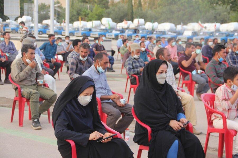 گزارش تصویری  توزیع ۵۱ سری جهیزیه در میان زوج های جوان مددجوی بهزیستی فارس