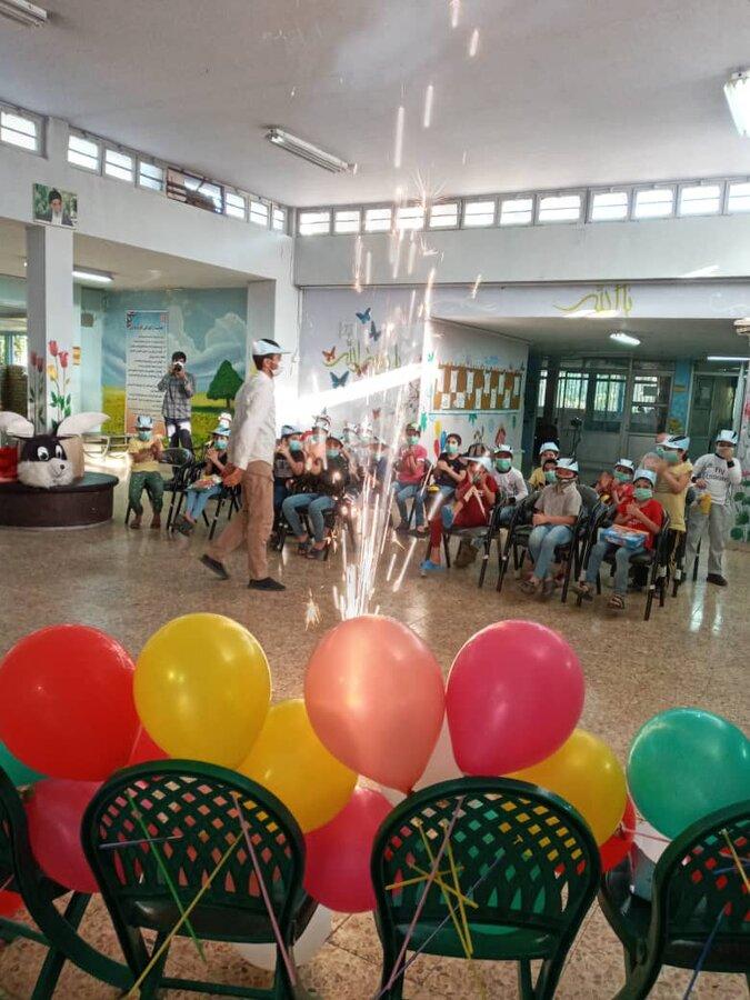 شهرری| همراهی معاون اجتماعی بهزیستی شهرستان در جشن عید تا عید مرکز نگهداری کودکان کار و خیابان