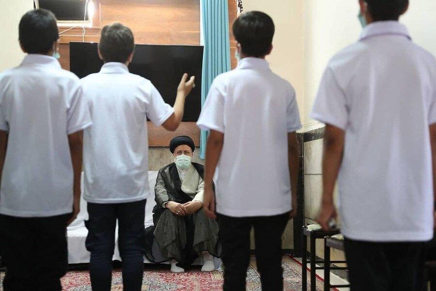بازدید رئیس جمهور منتخب از مرکز نگهداری کودکان کار بهزیستی در تهران