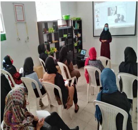 آباده  برگزاری کارگاه مهارت های زندگی در مرکز + زندگی