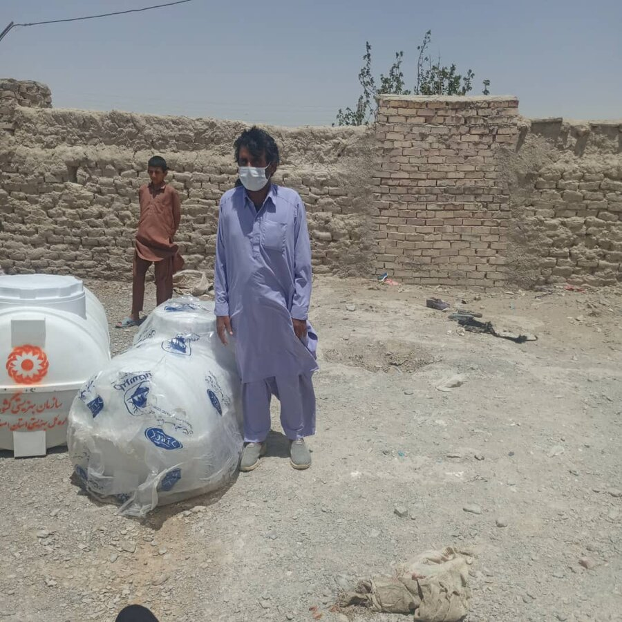 تهیه و تحویل ۵۰ عدد منبع آب به روستاهای مرزی منطقه سیستان