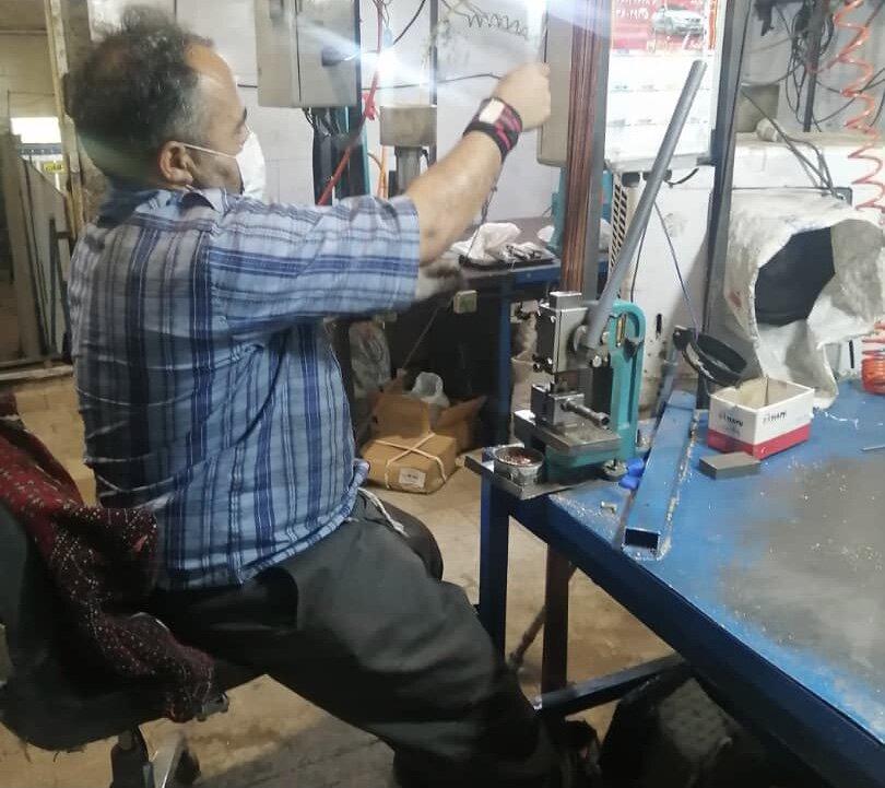 بازدید کارشناسان استانی بهزیستی از واحد صنعتی