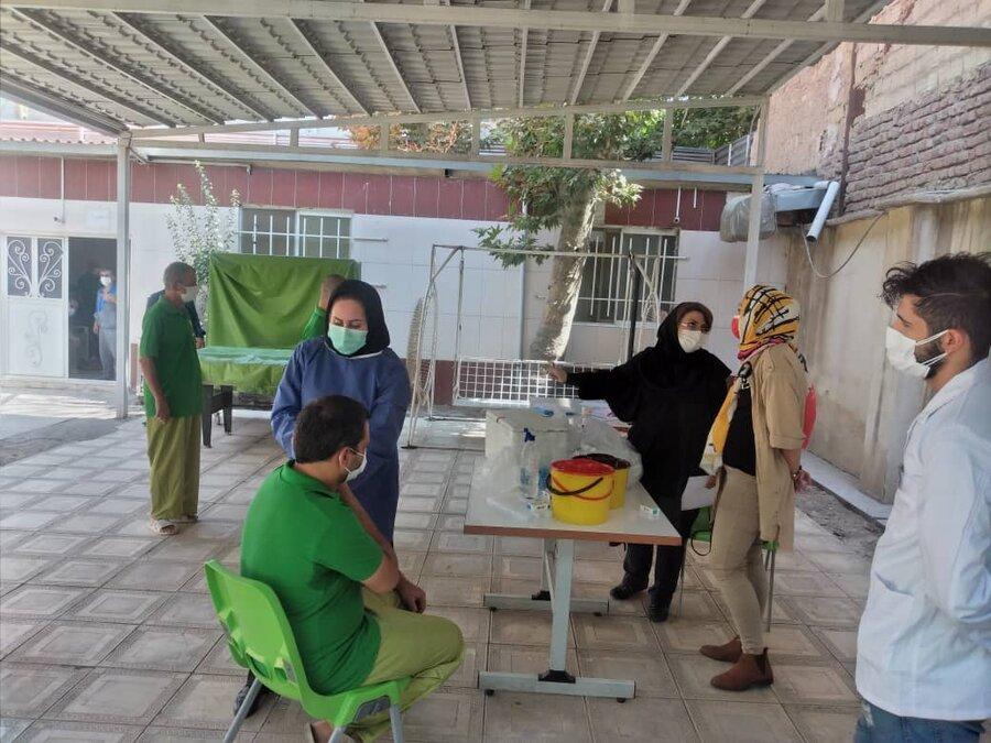 شهرقدس| گزارش تصویری| تزریق واکسن کرونا در مراکز اعصاب و روان