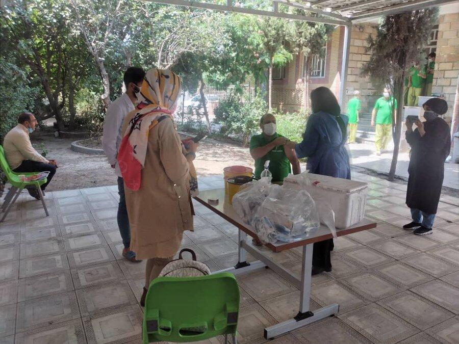 تزریق واکسن کرونا در مراکز اعصاب و روان
