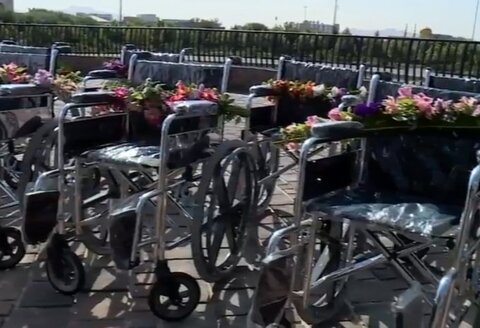 ببینیم| آغاز اهدای ۲۷ هزار ویلچر به افراد دارای معلولیت مناطق محروم درپی تفاهم نامه سازمان بهزیستی و بنیاد ۱۵ خرداد