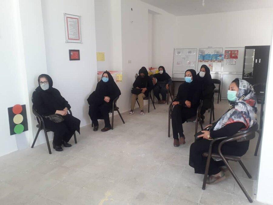 آباده  کارگاه آموزشی مصرف مکمل جهت بانوان سرپرست خانوار