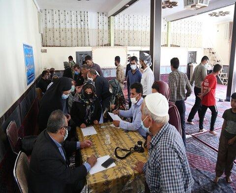 میز خدمت بهزیستی در محله اسلام آباد سنندج مستقر شد