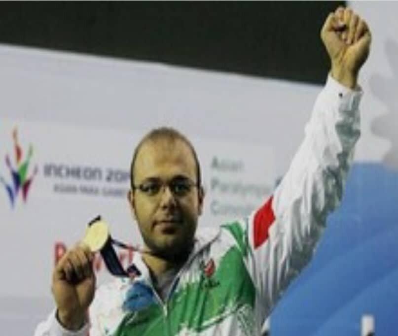 رباط کریم| کسب نشان نقره وزنه برداری در پارالمپیک