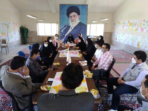 جلسه پایانی و حمایتیابی طرح «مانا» در بهزیستی شهرستان گیلانغرب برگزار شد.