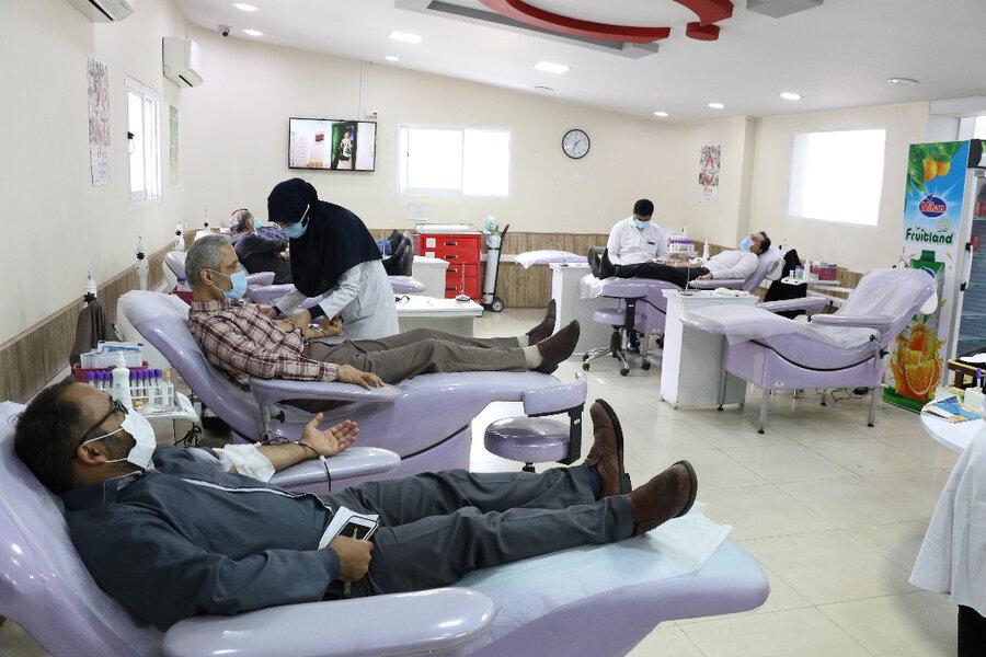 اهدای خون مدیرکل وکارکنان بهزیستی گیلان
