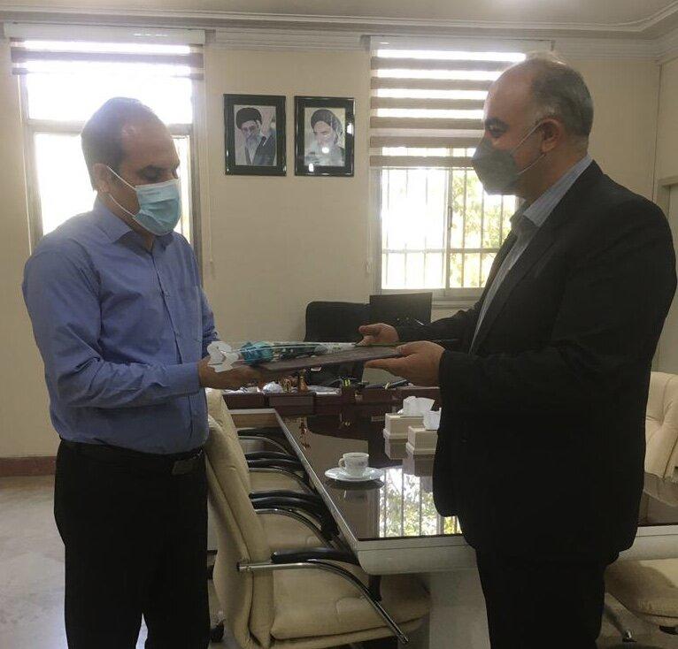 پاکدشت| تقدیر بهزیستی از مدیر شبکه بهداشت و درمان شهرستان