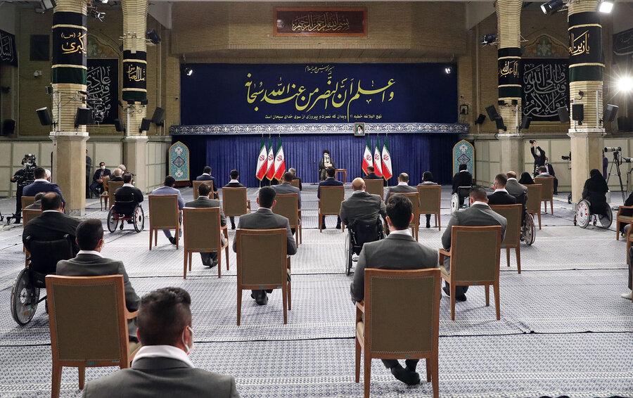 دیدار رهبر انقلاب اسلامی با مدالآوران ایران در رقابتهای المپیک و پارالمپیک توکیو