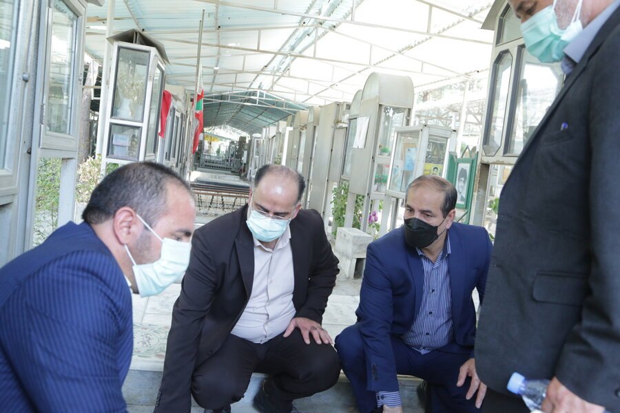 گزارش تصویری  آیین غبار روبی مزار شهدا به مناسبت چهل و یکمین سالگرد هفته دفاع مقدس