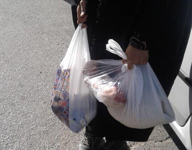 فیروزکوه| اهدای بسته های حمایتی به خانواده زندانیان
