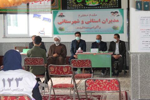 نکا│ استقرار میز خدمت بهزیستی شهرستان نکا در منطقه آسیب شهرک سردار شهید سلیمانی