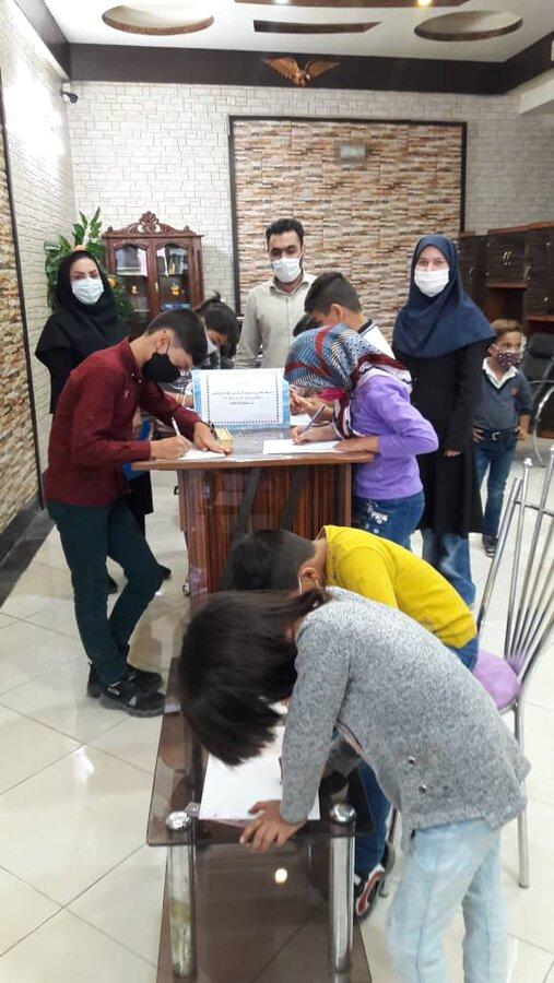 گزارش تصویری/ برگزاری مسابقه نقاشی دفاع مقدس در آذرشهر
