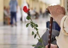 حفظ ایمنی سالمندان در محیط خانه