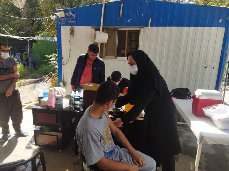 شهرقدس  آغاز واکسیناسیون کارکنان و مددجویان مراکز اقامتی شهرستان